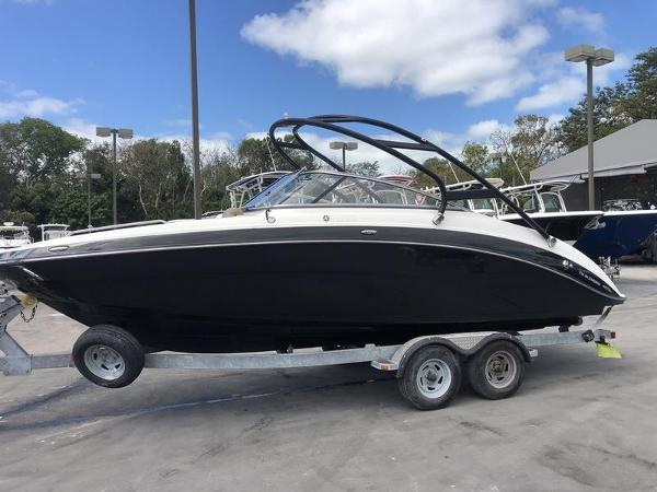 Yamaha Boats 24FT 242 Limited S