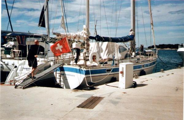 Trintella 44