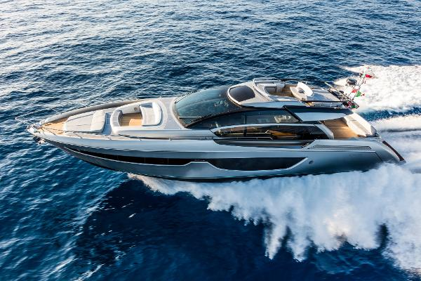Riva 76' Perseo Manufacturer Provided Image