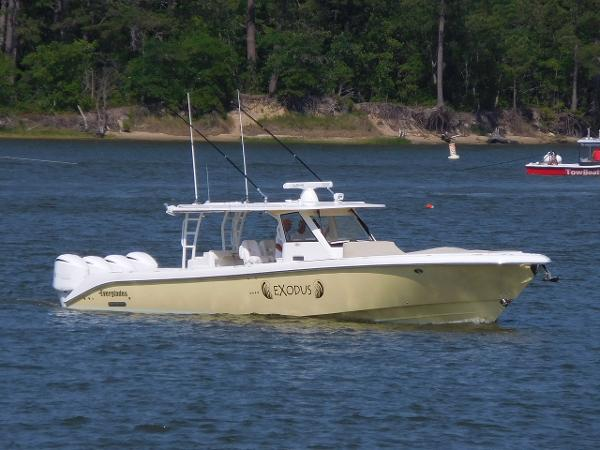 Everglades Boats 435 CC Everglades 435 Profile