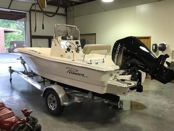 Pioneer Boats Sportfish 180