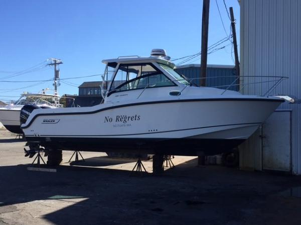Boston Whaler 285 Conquest Profile