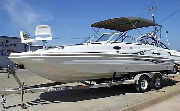 HURRICANE BOATS Fun Deck 237 SD