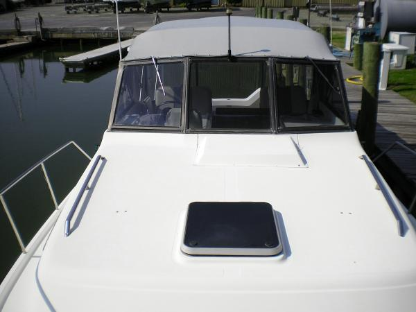 30' Luhrs Alura 1987 Looking aft