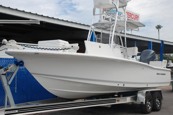 Sea Hunt BX 24 BR Tower
