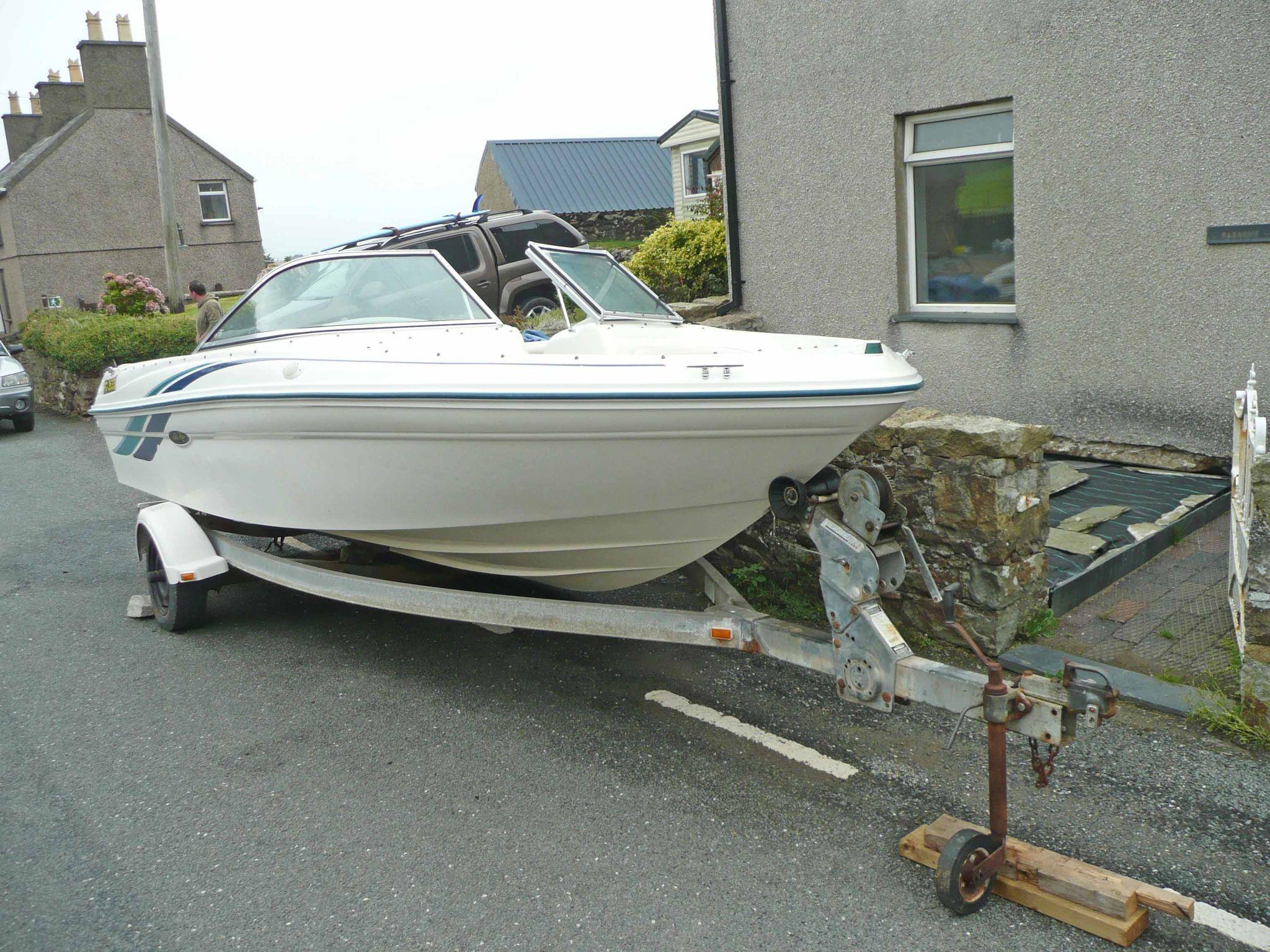 Sea Ray 180 Bow Rider