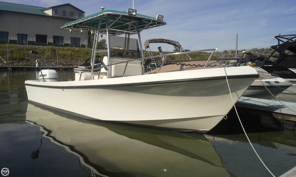 May-craft 2300 Center Console 1997 Maycraft 23 for sale in Sterling, NY