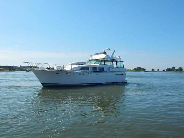 Bertram Flybridge Motor Yacht Bertram