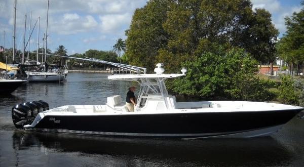 Sea Vee 390B Open Fisherman SeaVee 390B