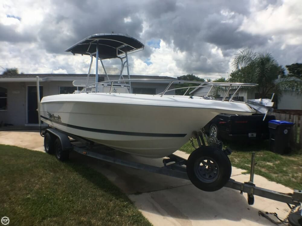 Wellcraft Ccf 210 1998 Wellcraft 210 CCF for sale in Titusville, FL