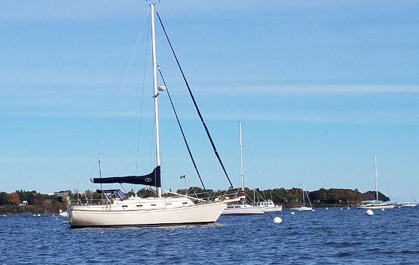 Island Packet 32 35' Island Packet IP32 For Sale in Maine