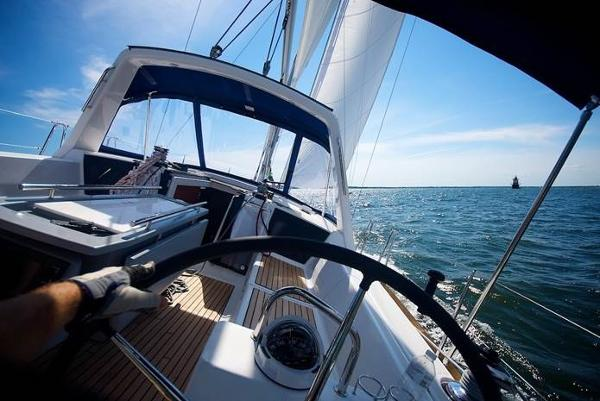 Beneteau Oceanis 41 Three Staterooms Beneteau 41 Hungry Pelican from behind the wheel
