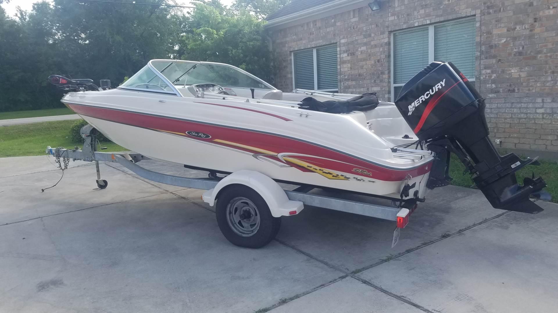 Sea Ray 182 SRX Bow Rider