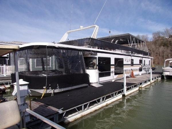 Jamestowner Houseboat