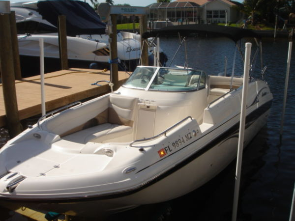 Godfrey Hurricane 26 SUNDECK TWIN 150 4 STROKE YAMAHAS Photo 1