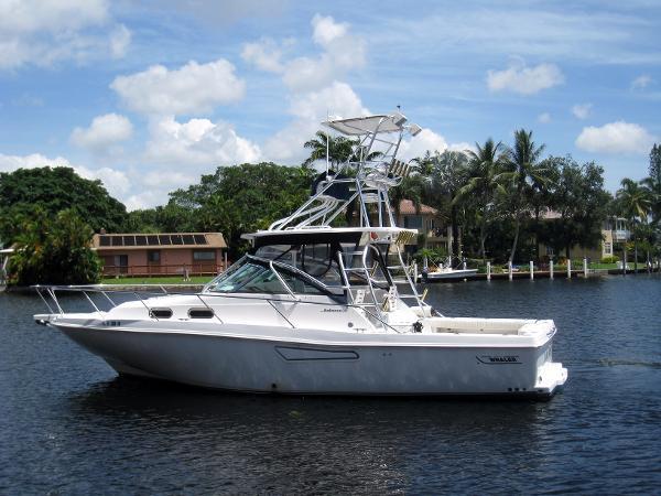 Boston Whaler Defiance 34' Boston Whaler Motor Yacht LOAN RANGER