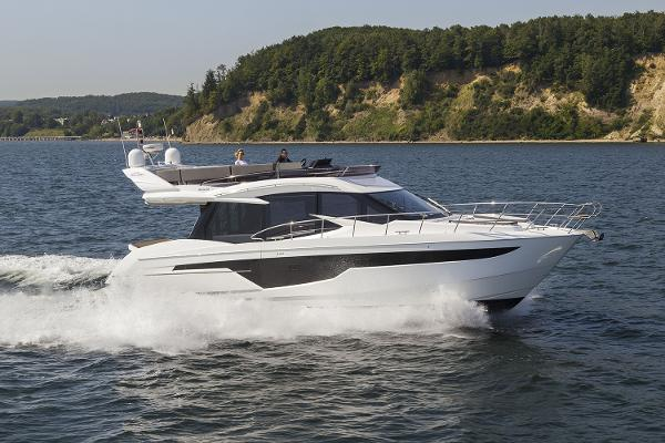 Galeon 500 Fly Manufacturer Provided Image