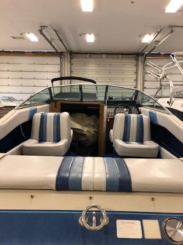 Sea Ray 210 Cuddy Cabin