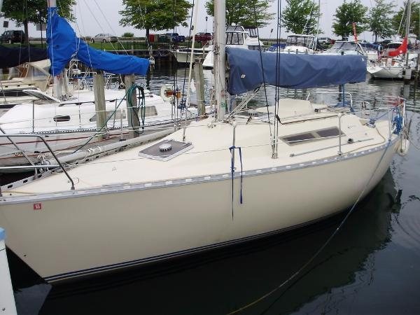Beneteau First 32.5 Profile