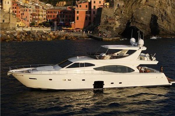 Ferretti Yachts 780 Manufacturer Provided Image
