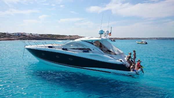 Sunseeker Portofino 53 On anchor