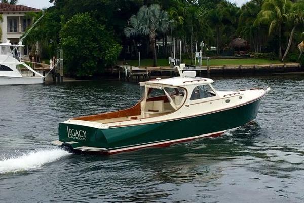 Hinckley Picnic Boat Classic Legacy