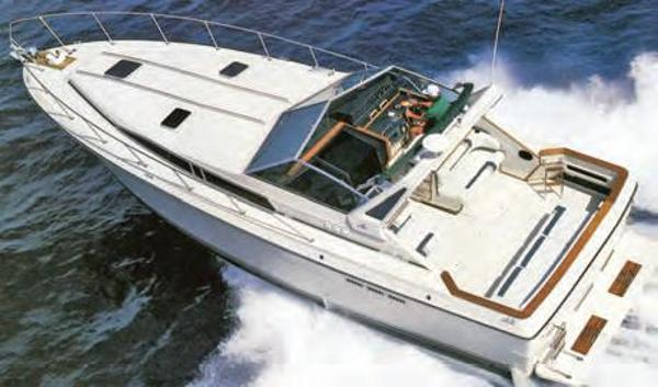 Sea Ray 390 Express Cruiser Sister Ship