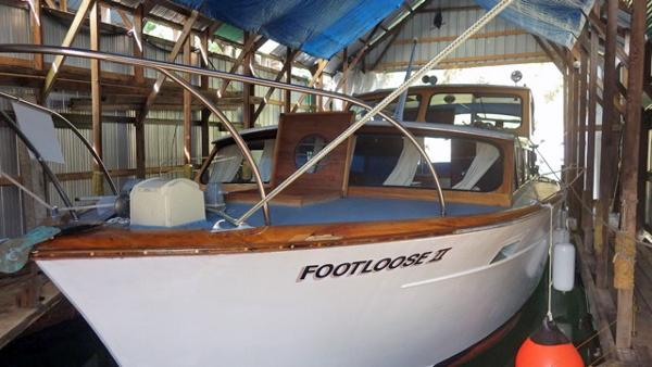 Canoe Cove Sedan Bridge Cruiser Footloose II