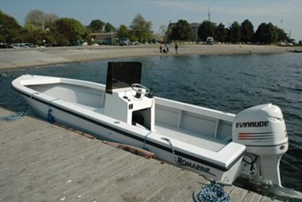 Romarine 24 Center Console