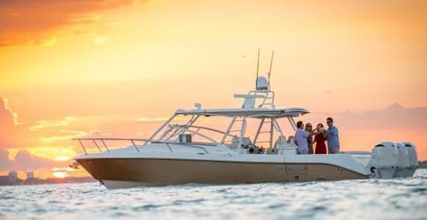Everglades Boats 360 LXC