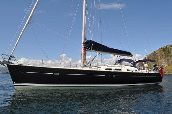 Beneteau Oceanis 473 Moored