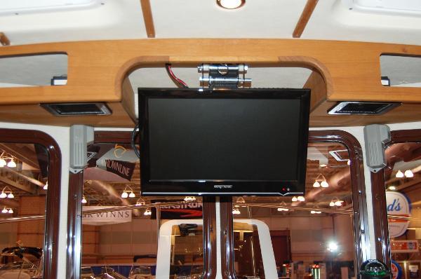 Ranger Tug 27 TV