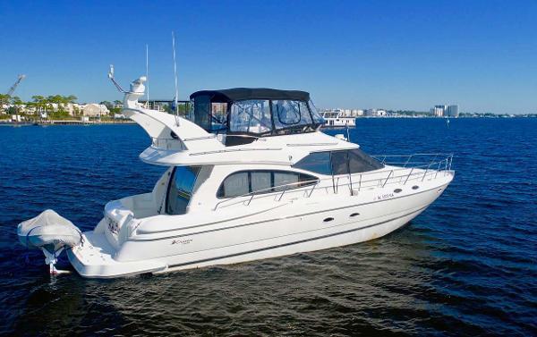 Cruisers Yachts 5000 Sport Sedan Profile