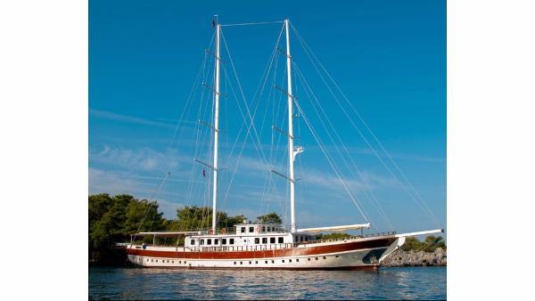 R. Yachting  MEGA SCHOONER MEGA SCHOONER