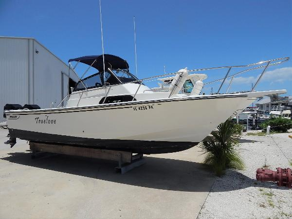 Boston Whaler 23 Walkaround