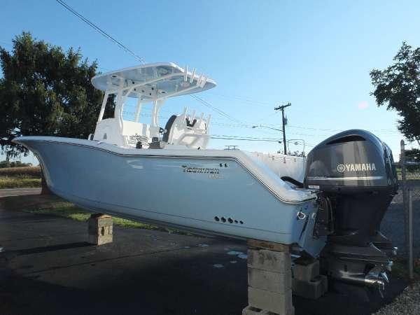 Tidewater Boats 280CC Adventure
