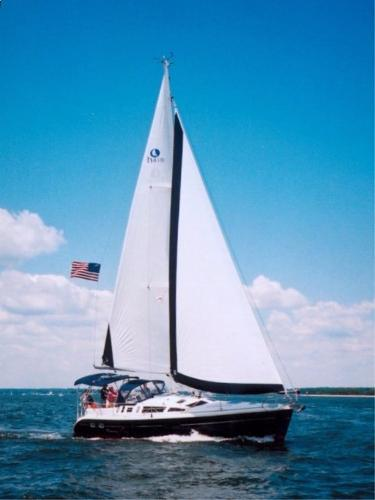 Hunter 410 Under Sail