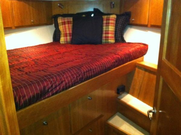 VIP stateroom-berth forward
