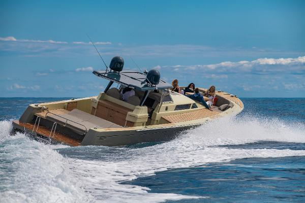 Moonride Runabout 43