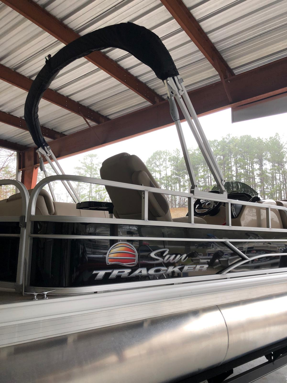 Sun Tracker FISHIN'BARGE 20 w/ Mercury 90 ELPT 4S CT