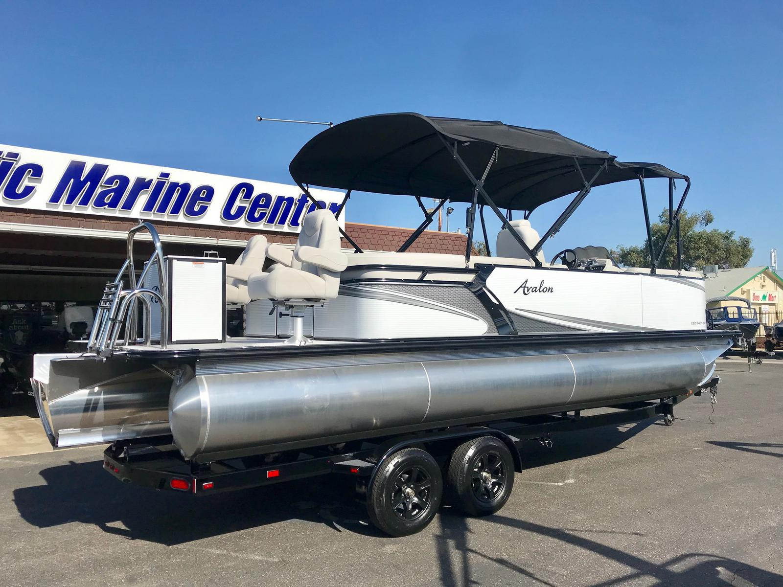 Avalon LSZ Entertainer 24' w/ Sandbar - 150 HP Mercury!