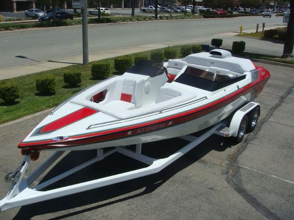 Howard Custom Boats 23 Sport Tunnel