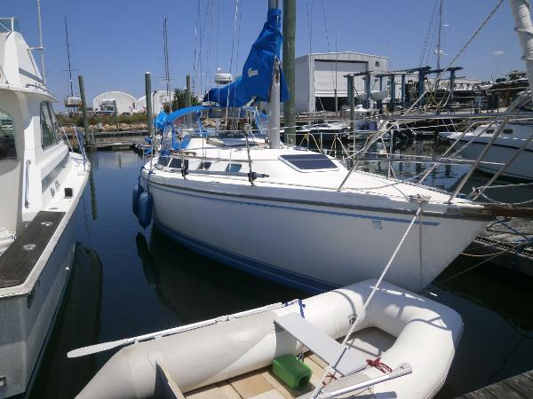 Catalina Tall Rig Sloop BLUE GROOVE
