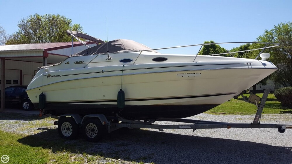 Sea Ray 240 Sundancer 1997 Sea Ray 240 Sundancer for sale in Portland, TN