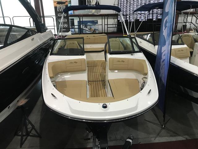 Sea Ray 210SPX