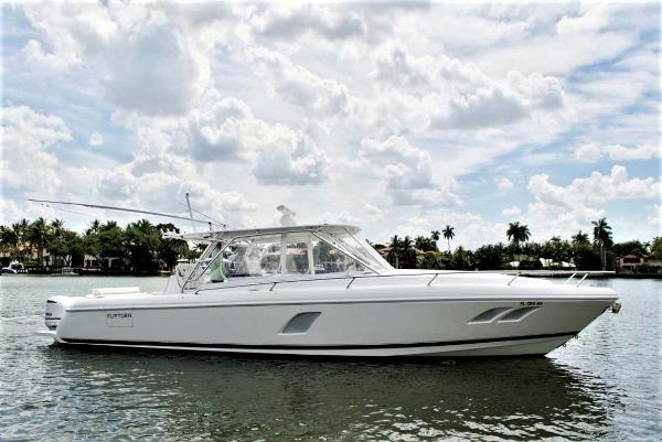 Intrepid 400 Cuddy Starboard Profile