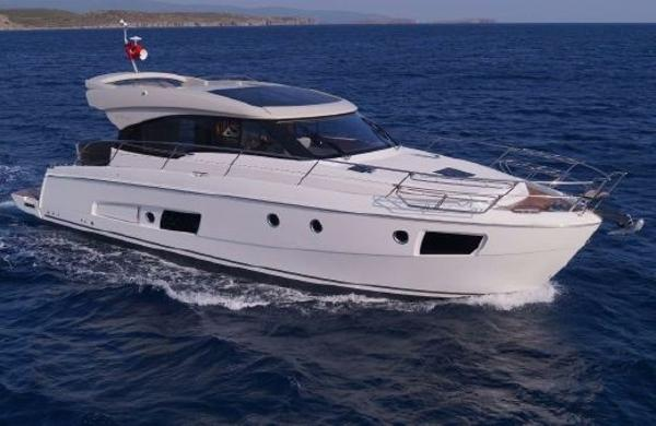 Bavaria Motor Boats Virtess 420 Coupe