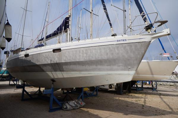 Alubat OVNI 435 AYC International Yachtbrokers - OVNI 435