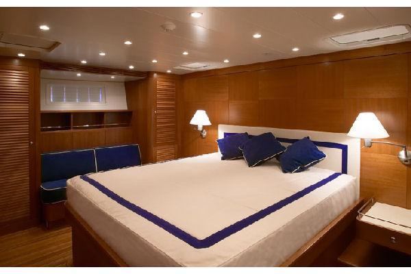 Nautor Swan 100 S Owner's Cabin