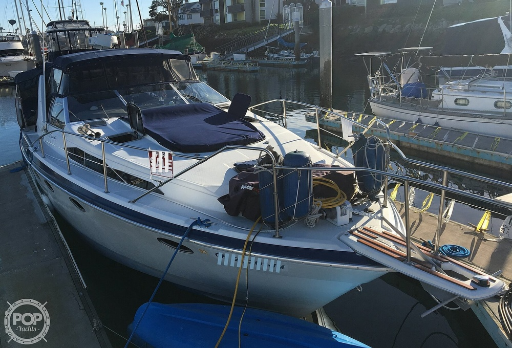 Bayliner 3450 Avanti Sunbridge 1988 Bayliner 3450 Avanti Sunbridge. for sale in Oxnard, CA